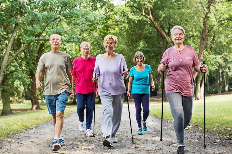 Đi bộ là liệu pháp tăng tuổi thọ