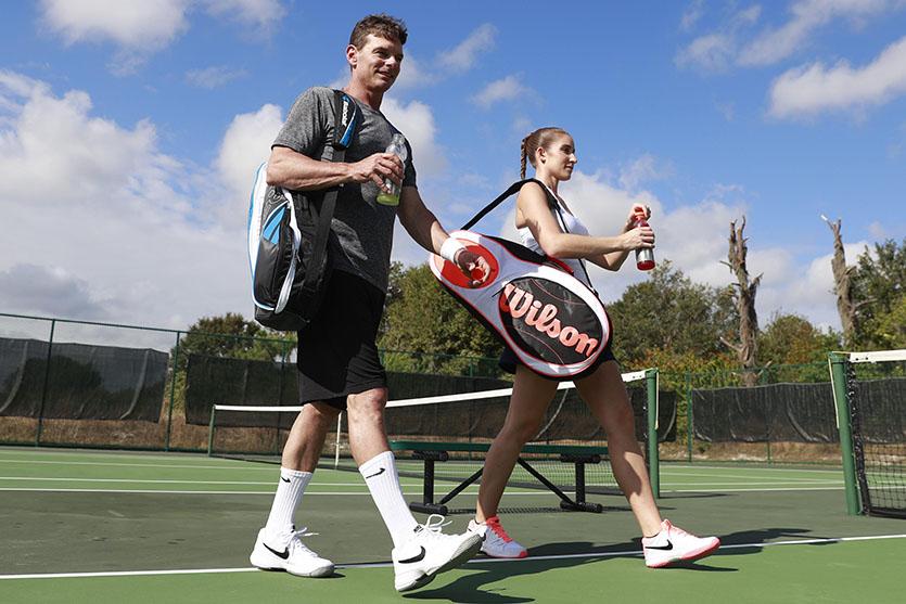 Tennis - Những vật dụng cần có trước khi ra sân