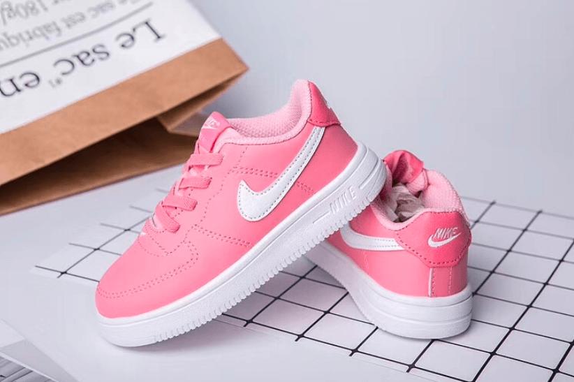 Giày Nike nữ luôn thu hút phái đẹp bởi sự trẻ trung và năng động