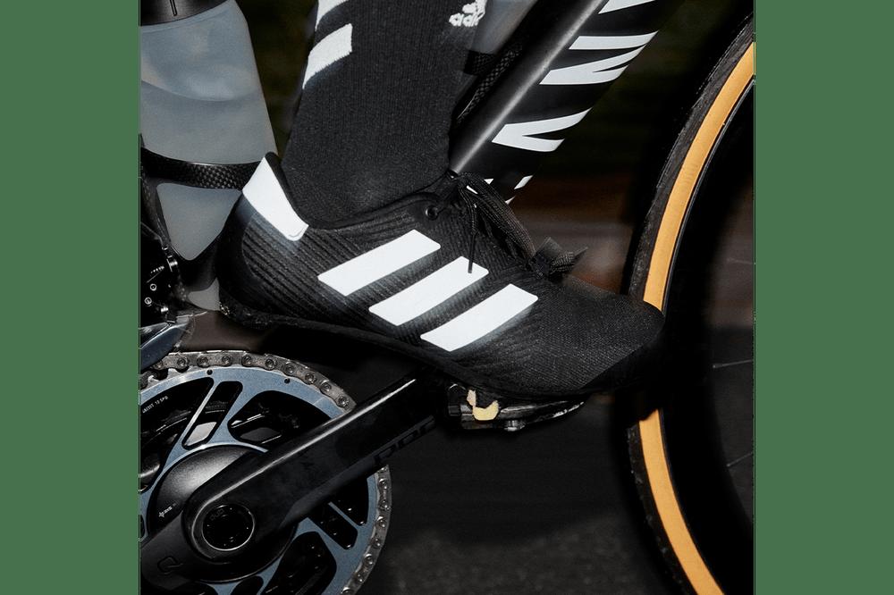 Hình ảnh này chưa có thuộc tính alt; tên tệp của nó là adidas-road-cycling-shoes-primeweave-8.png
