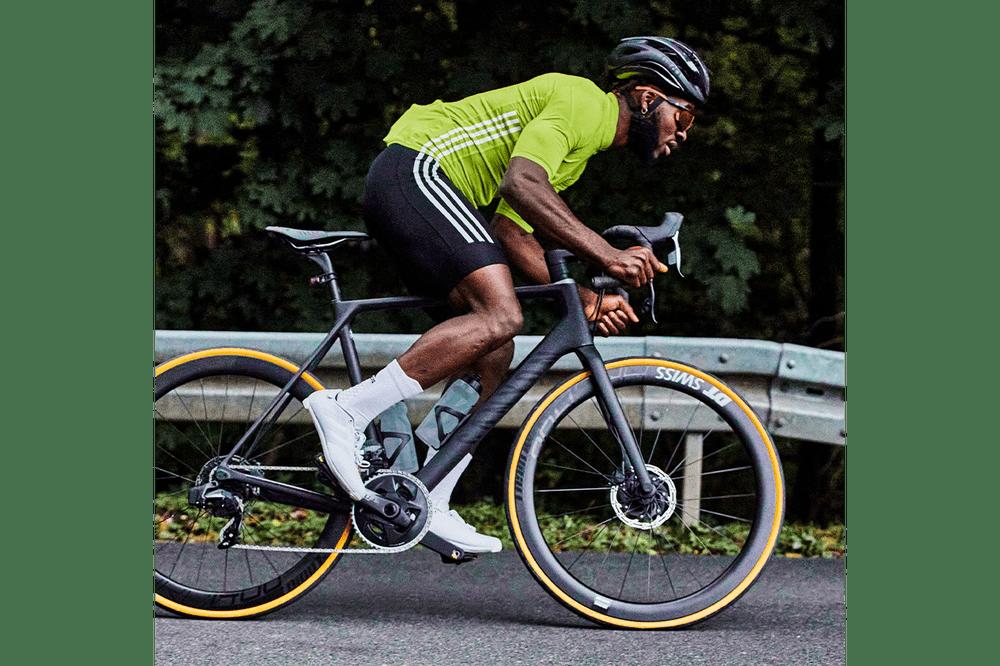 Hình ảnh này chưa có thuộc tính alt; tên tệp của nó là adidas-road-cycling-shoes-primeweave-9.png