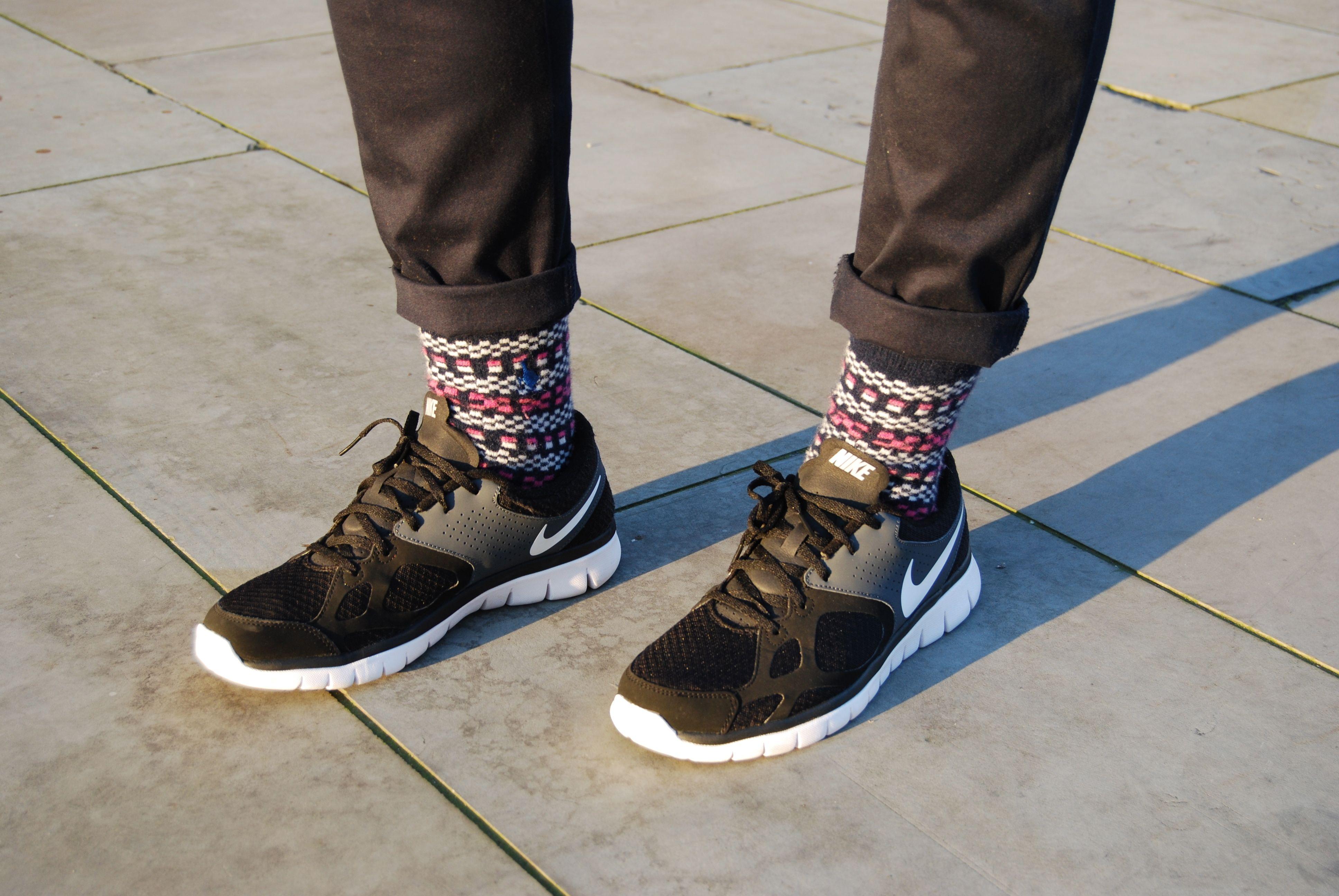 giày thể thao và tất