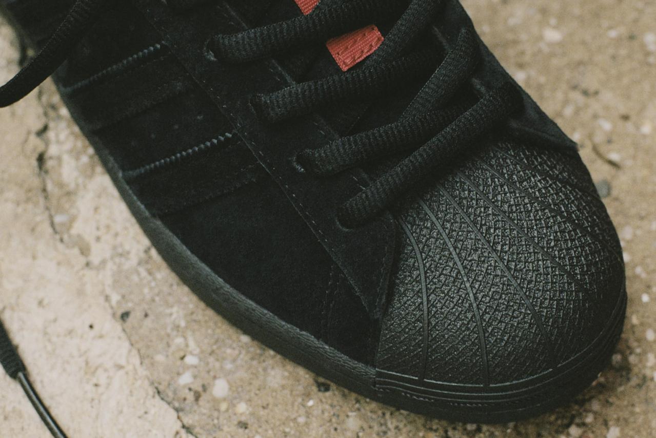 Hình ảnh này chưa có thuộc tính alt; tên tệp của nó là thrasher-adidas-originals-skateboarding-superstar-adv-tyshawn-jones-3-1.jpg